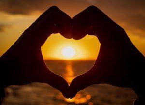 Nyári szerelmi jóslás: minden, ami a forróságban megtörténhet!
